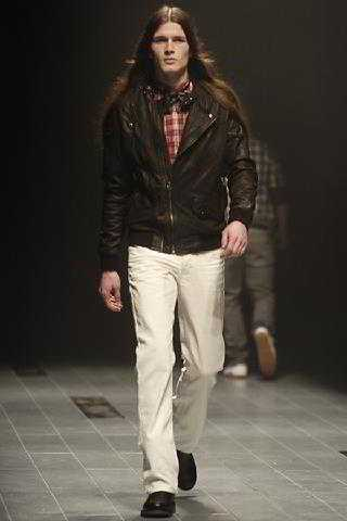 ملابس 2010